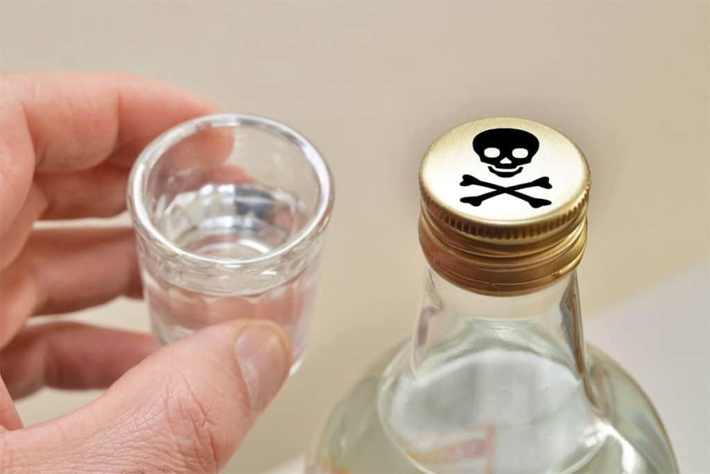 Как вывести человека из алкогольного запоя?